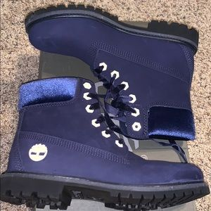 Navy velvet timberland boots size 7.5